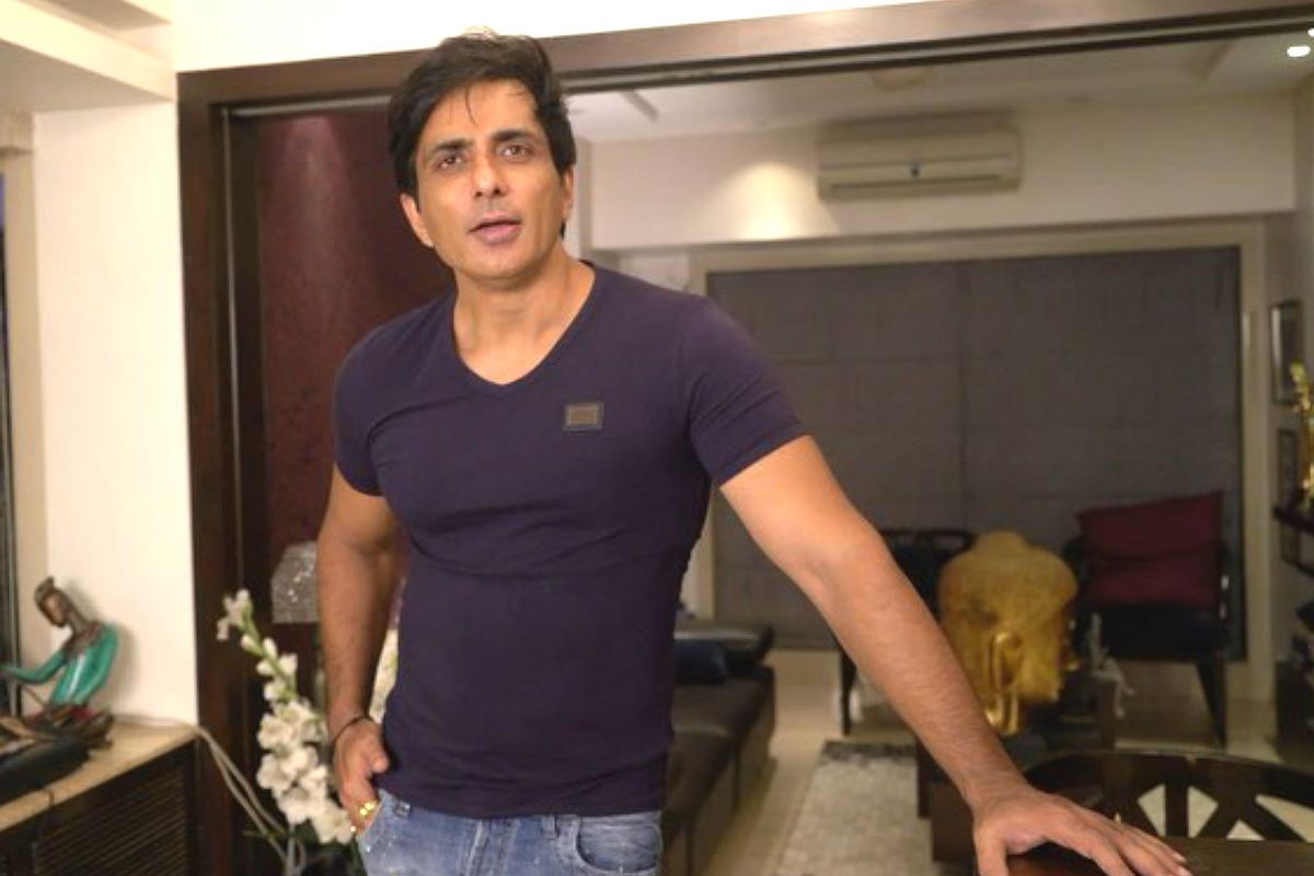 Sonu Sood Launches App to Provide Jobs to Migrant Workers, Over 500  Companies Across Various Sectors Get Listed | India.com  - sonu sood launches app for migrant workers main