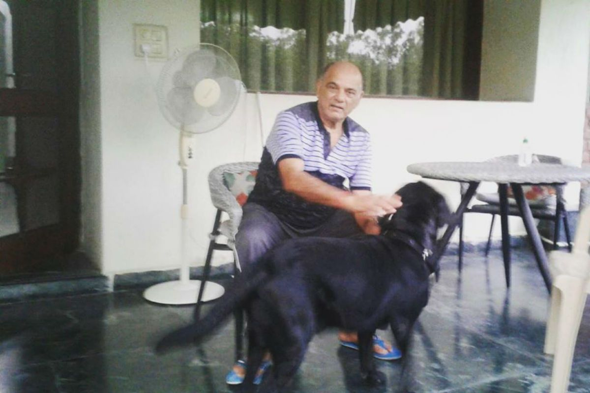 Sushant Singh Rajput's Dog Fudge Plays With His Father in This New Picture Shared by Sister Shweta