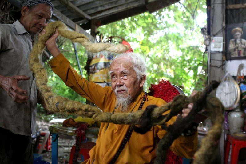 This 92 Year Old Vietnamese Man With 5 Metres Long Hair