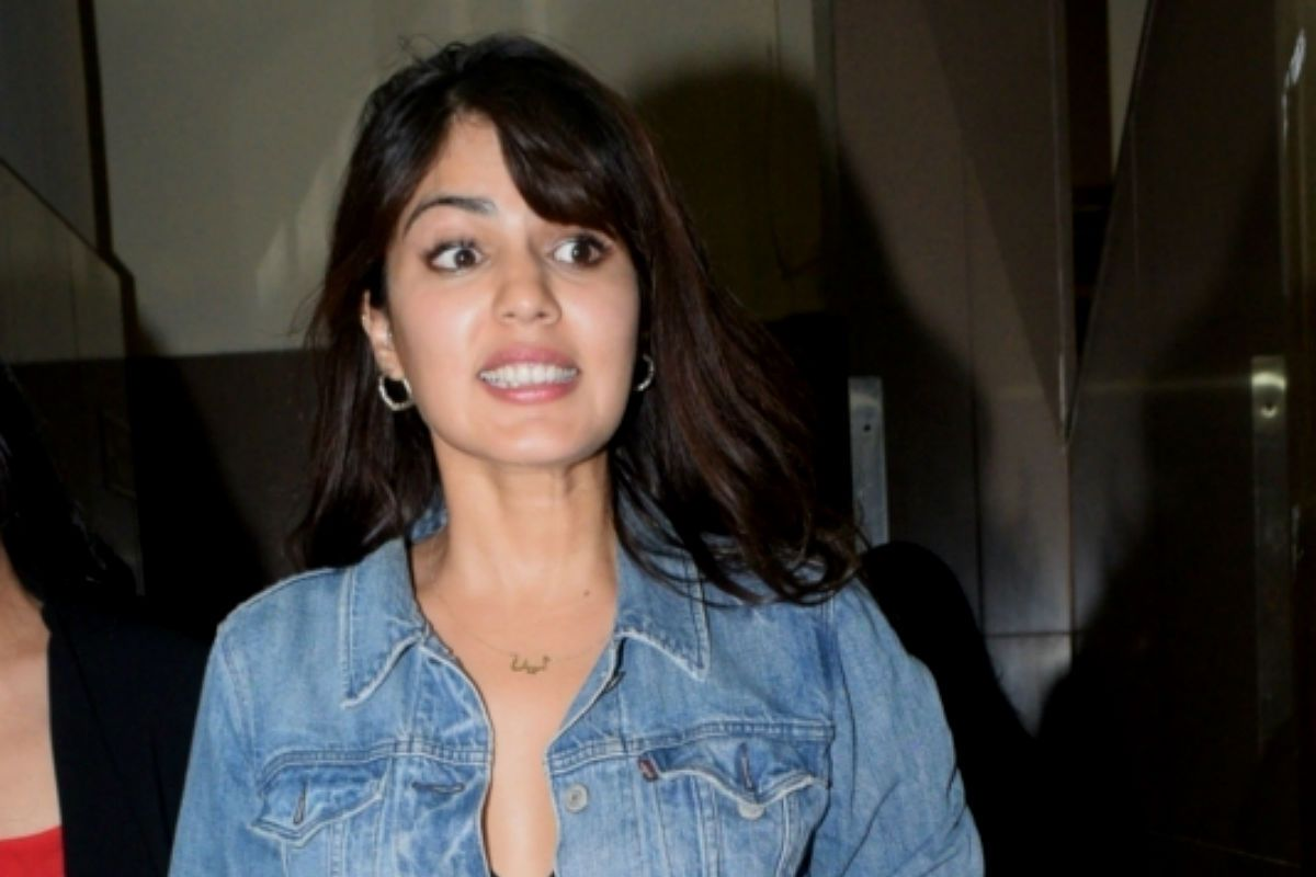 Vikram Bhatt on 'Witch Hunting' of Rhea Chakraborty: She Must be Grieving Too And Fighting Battle of Perception