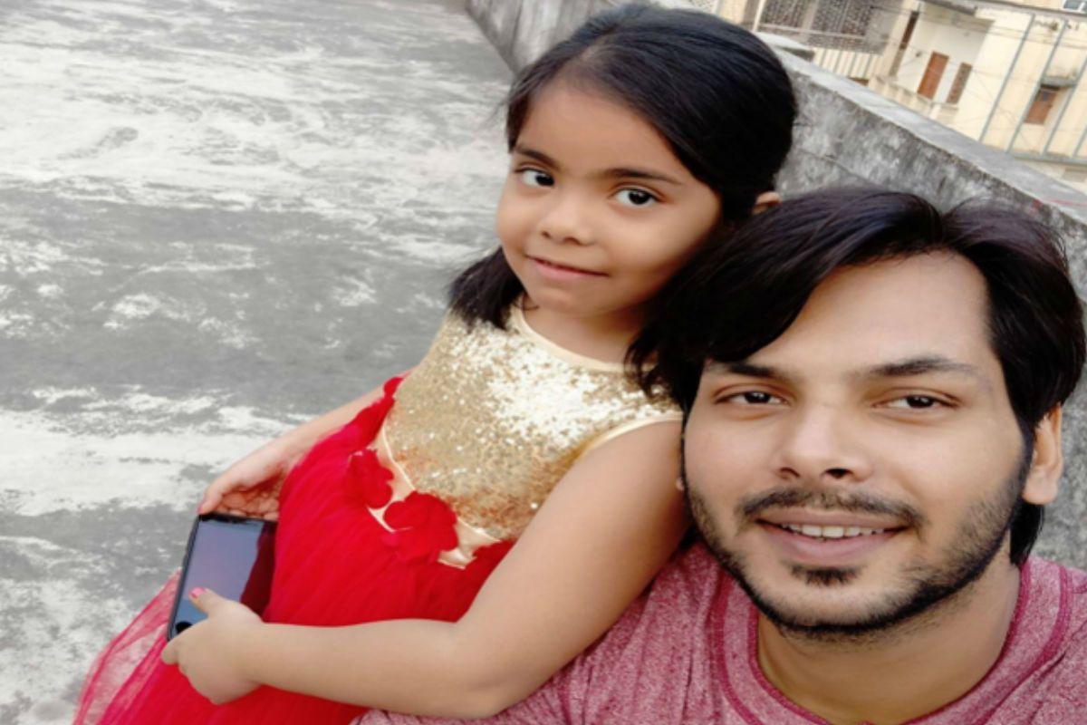 Bhojpuri Actor Akshat Utkarsh Found Hanging From Fan, Family Suspects Murder