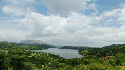 Manchanabele Dam is a perfect drive away from the rush of the city