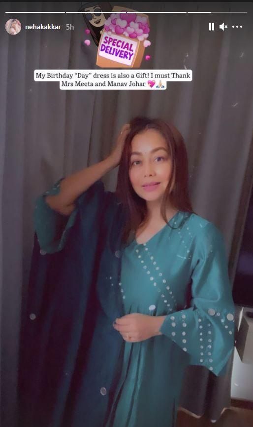 Neha Kakkar looks beautiful in green ethnic wear