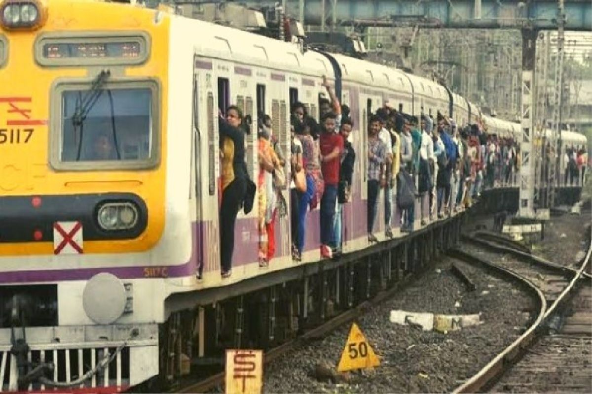 Mumbai Local Train Update: Fully-vaccinated Mumbaikars Can Travel in Local Trains From Aug 15. Heres What You Need to Avail Facility