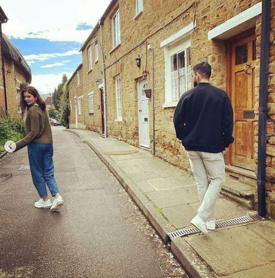 Anushka Sharma and Virat Kohli goof around on the streets of UK
