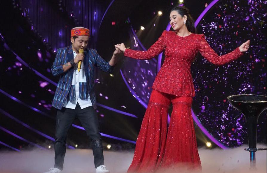 Karishma Kapoor Dances With Pawandeep Rajan In Indian Idol 12