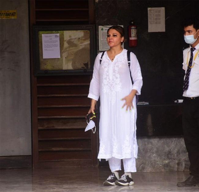 Sidharth Shukla Last Rites LIVE UPDATES: Mortal Remains to be Taken to Oshiwara Crematorium