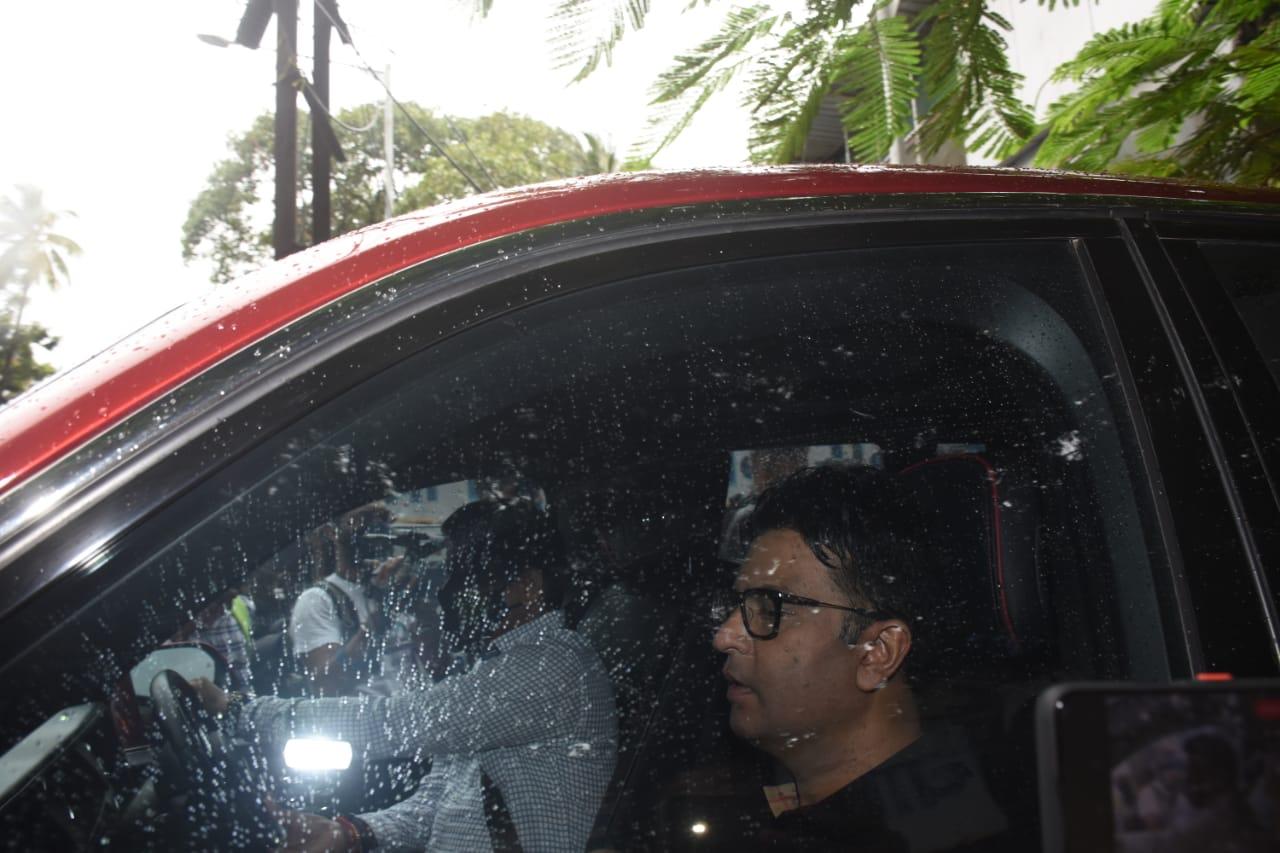 Bhushan Kumar was seen at the crematorium ground