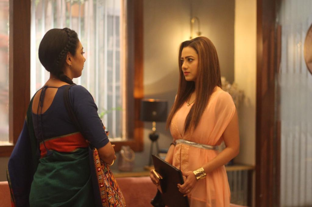Anupama agrees to work with Kavya (Picture Credits: Team Anupamaa)