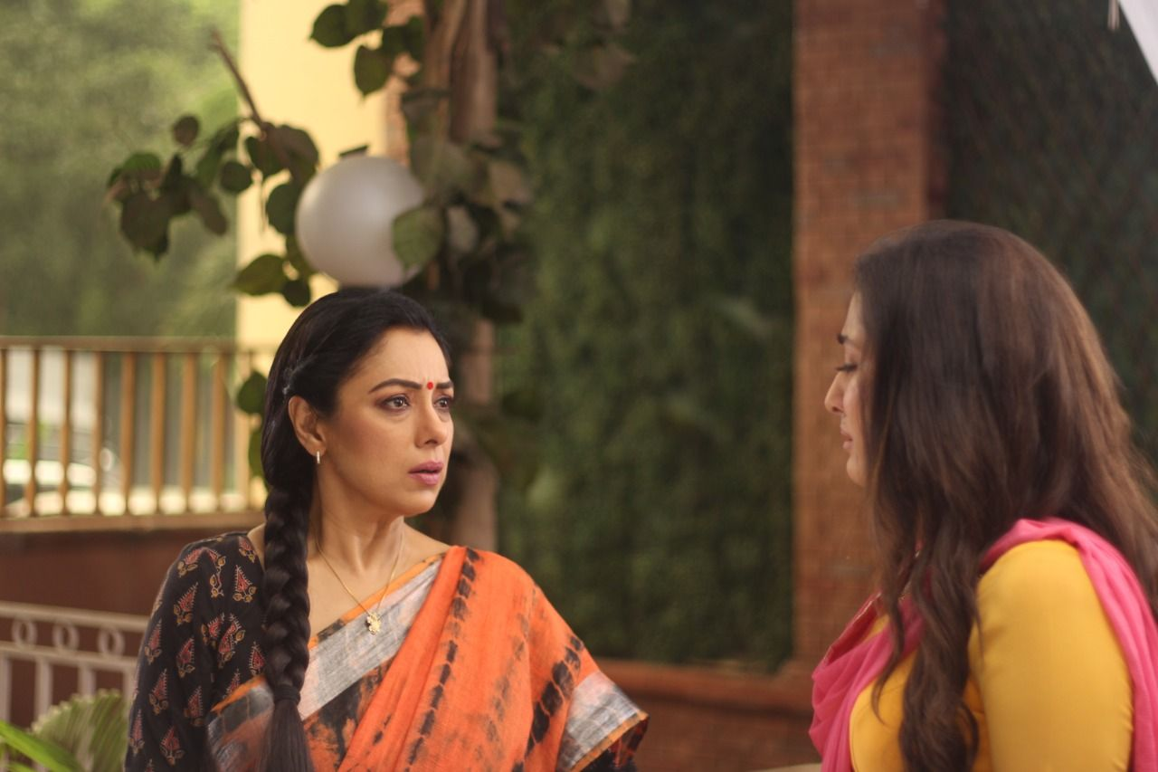 Nandini makes a massive revelation to Anupama (Picture Credits: Team Anupamaa)