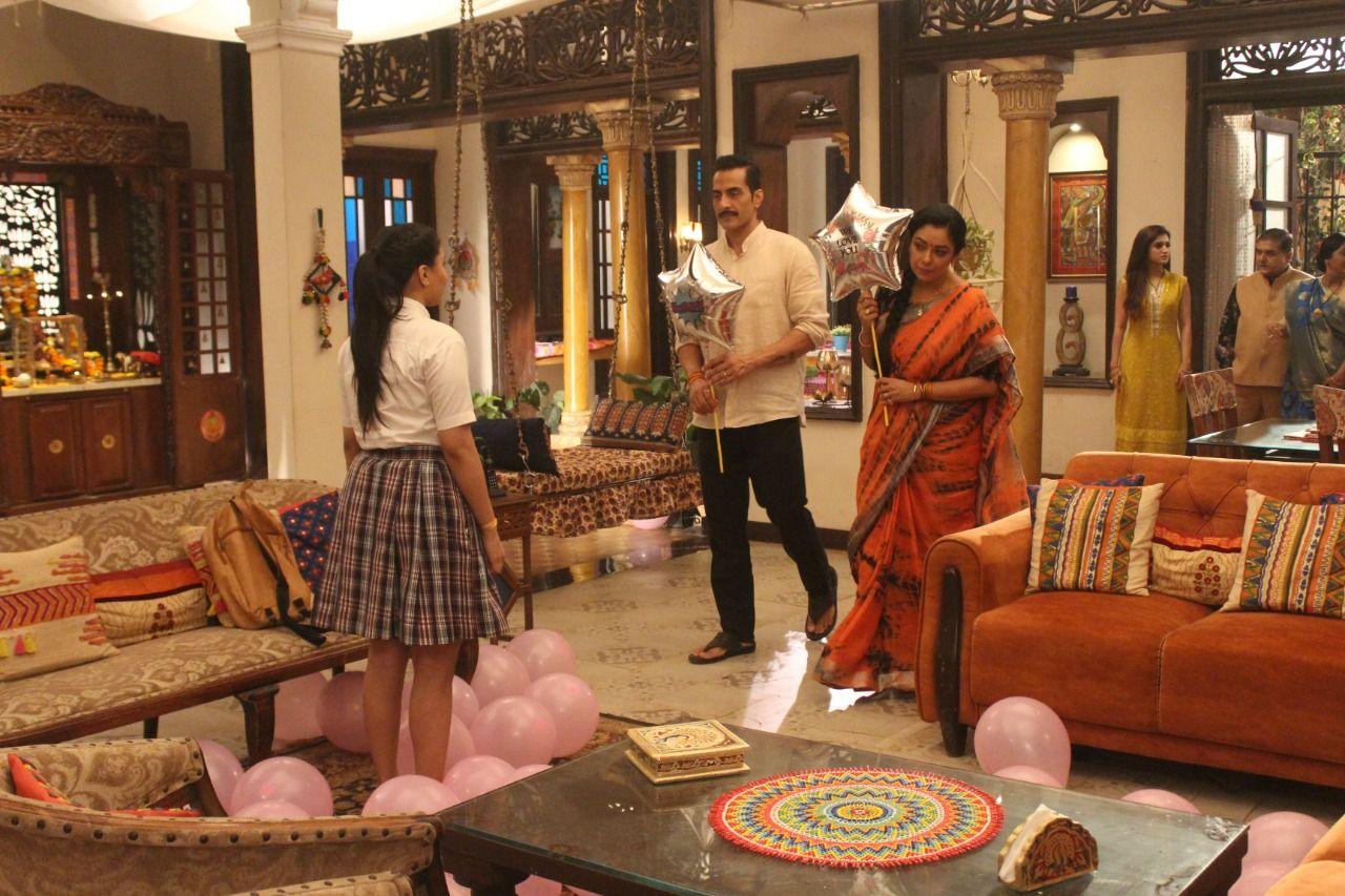 Anupama and Vanraj apologise to Pakhi (Picture Credits: Team Anupamaa)