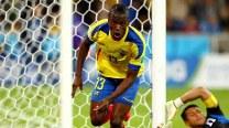 Enner Valencia double gives Ecuador new life after beating Honduras 2-1